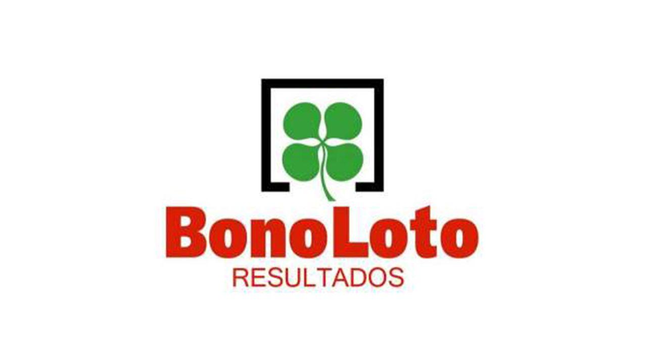 Rami gonzález y Luis Prol, propietarios del cafe bar 2.000 donde entregaron 1,9 millones de euros en bonoloto este lunes.Bonoloto