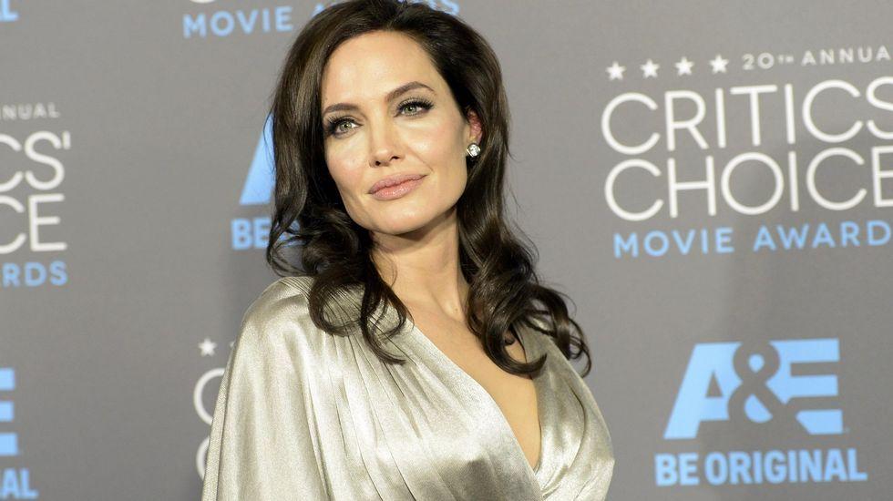 ¿Quiénes son las mujeres más poderosas del mundo?.Angelina Jolie reapareció en público tras conocerse que se había sometido a la operación para extirparse los ovarios y lo hizo junto a sus hijas, Zahara y Shiloh.