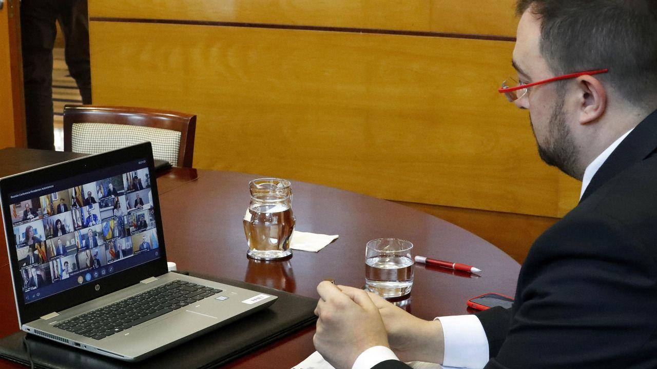 Adrián Barbón asiste a la videoconferencia de presidentes autonómicos por el coronavirus