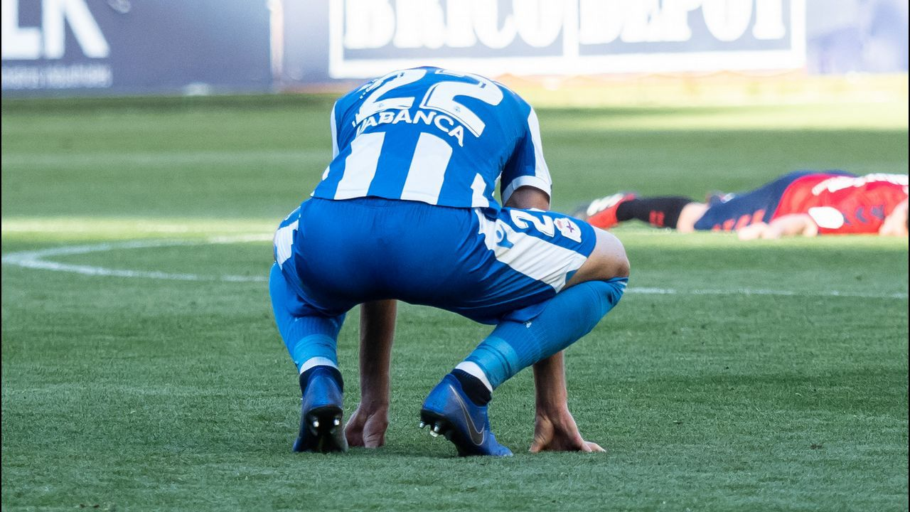Saul Berjon Inigo Perez Numancia Real Oviedo Los Pajaritos.Richard Boateng tras ser cambiado en el Zaragoza-Alcorcón