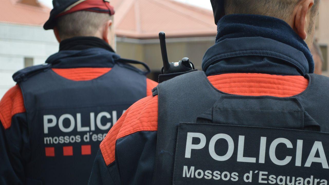 Dos agentes de los Mossos, en una imagen de archivo