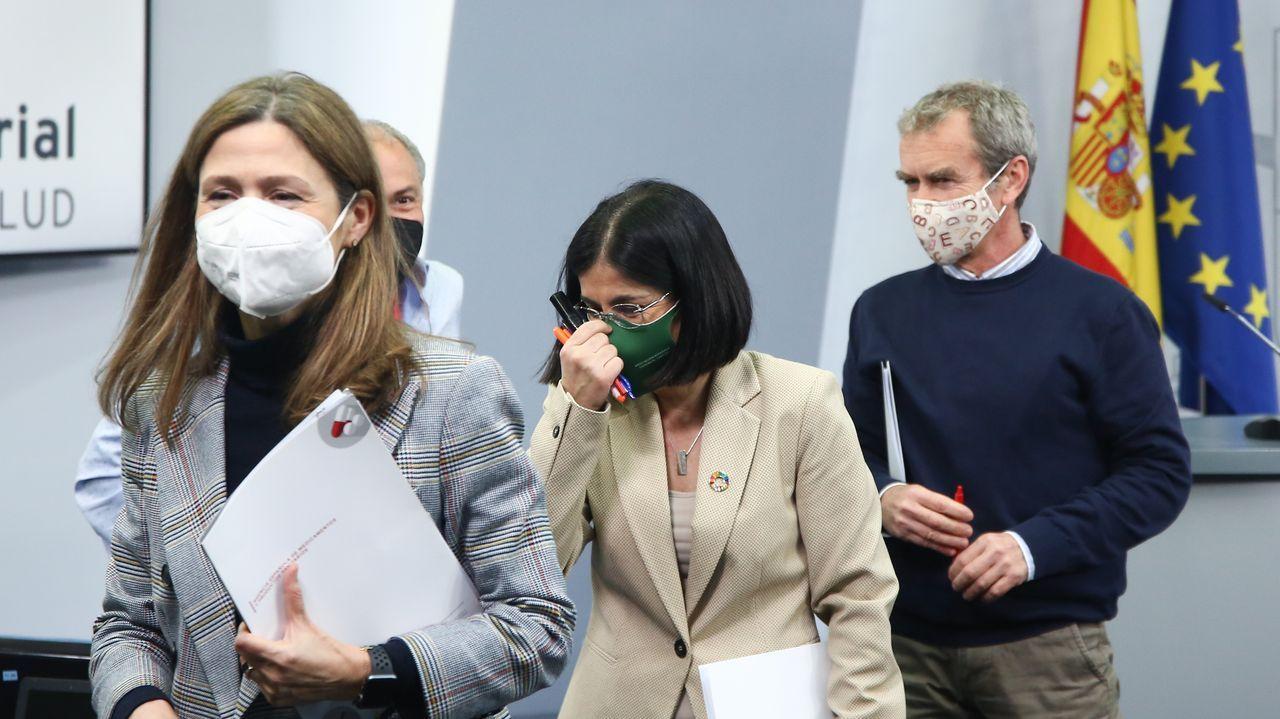 Rueda de prensa del Consejo Interterritorial celebrado tras la resolución europea sobre AstraZeneca.La vacuna de AstraZeneca en un hospital de Lyon, Francia