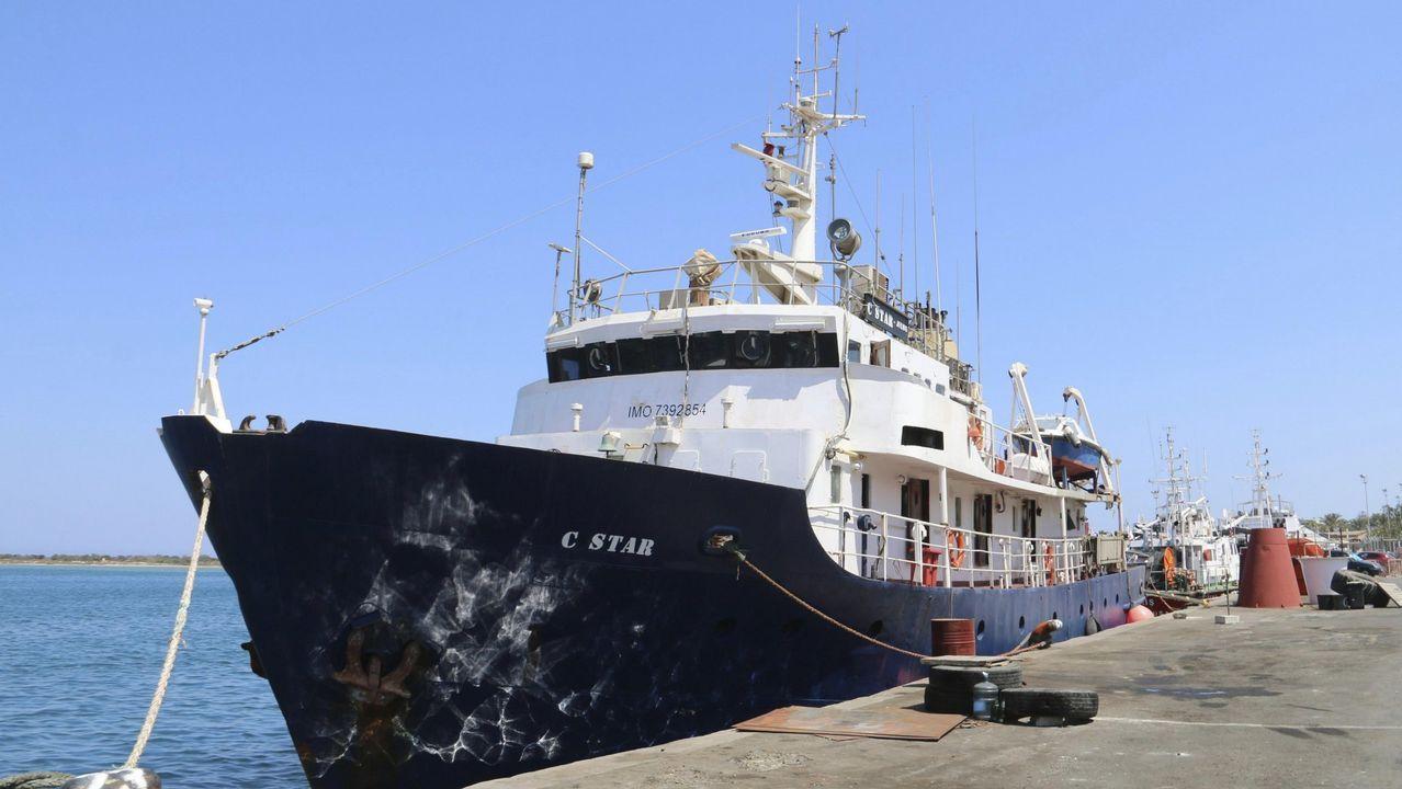El gigante King Kong ruge con acento de Cedeira.El barco antinmigración C-Star en el puerto de Famagusta, al norte de Chipre