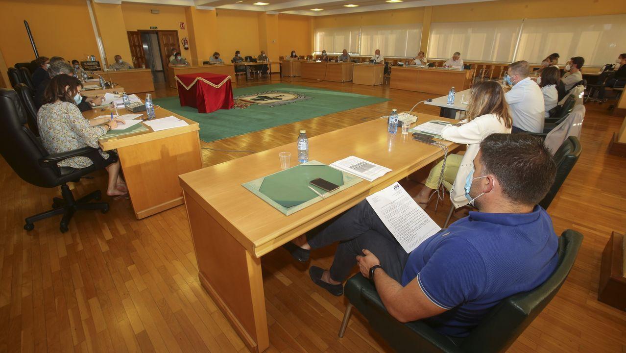 Sesión plenaria en Carballo