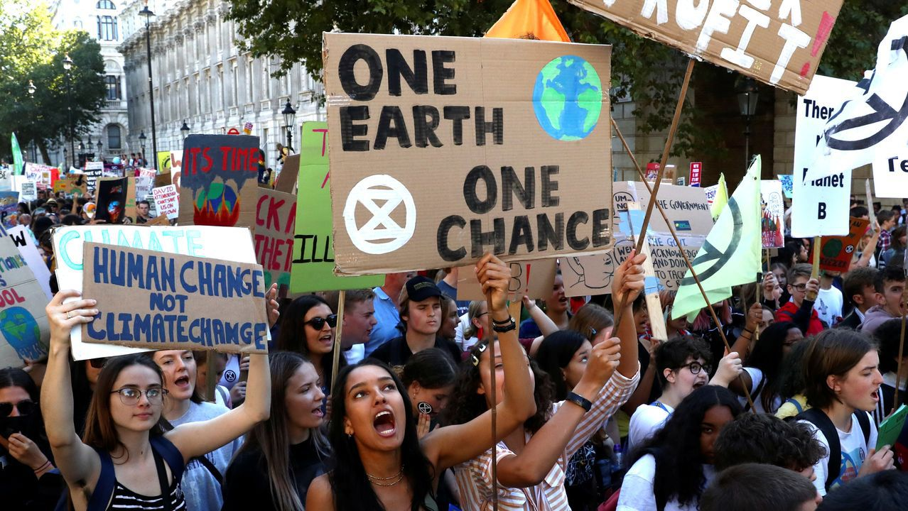 El mundo despierta contra el cambio climático.Partidarios de la permanencia del Reino Unido en la UE se manifiestan ante el Supremo británico