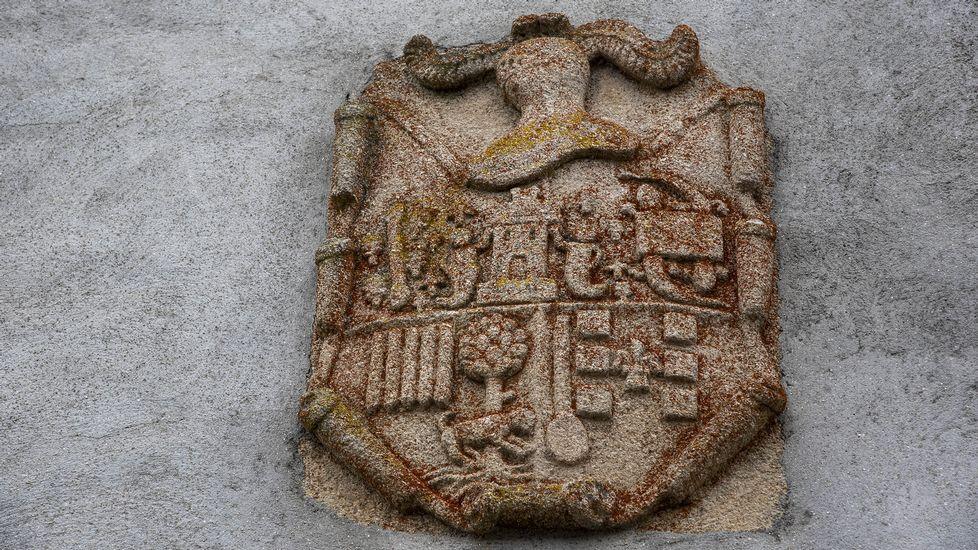 Escudo de armas en la Casa do Mojón