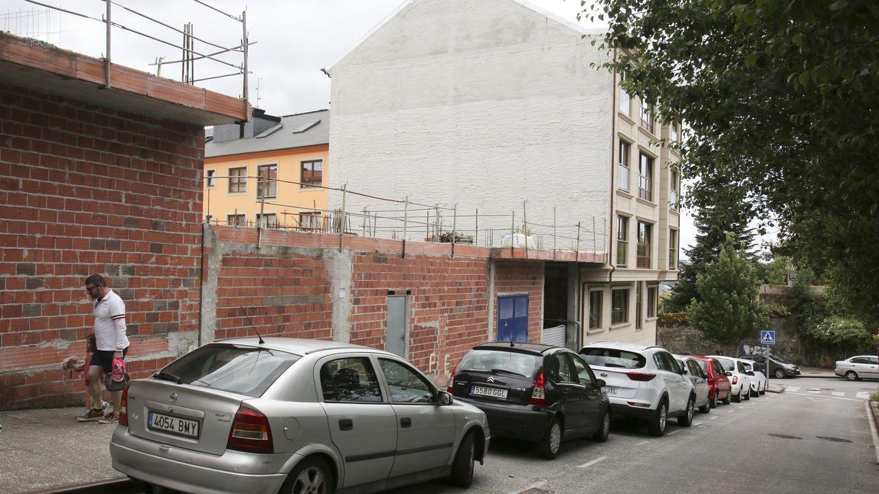 jardin.Vivienda a la venta en  Toén por menos de 140.000 euros