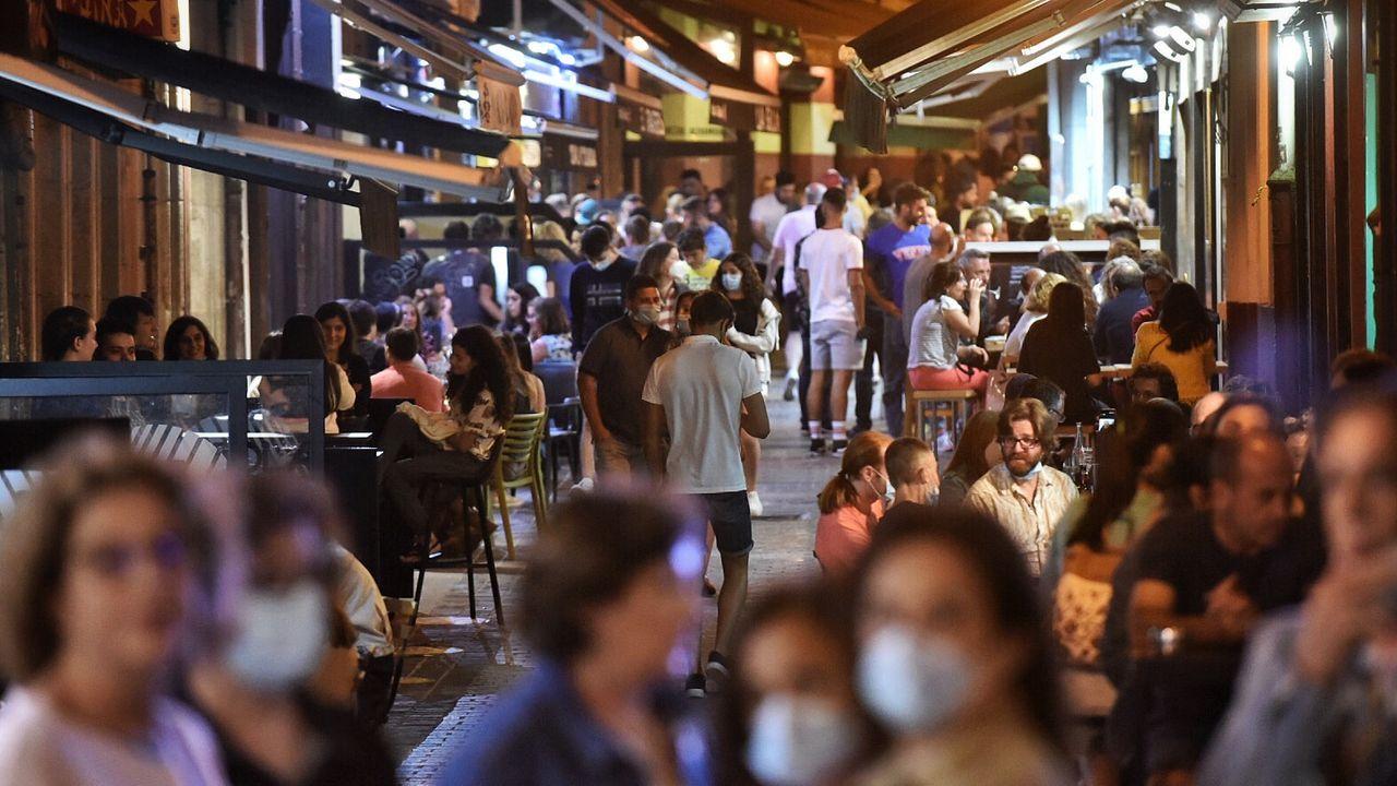 Imagen de la calle Barrera la noche del pasado viernes