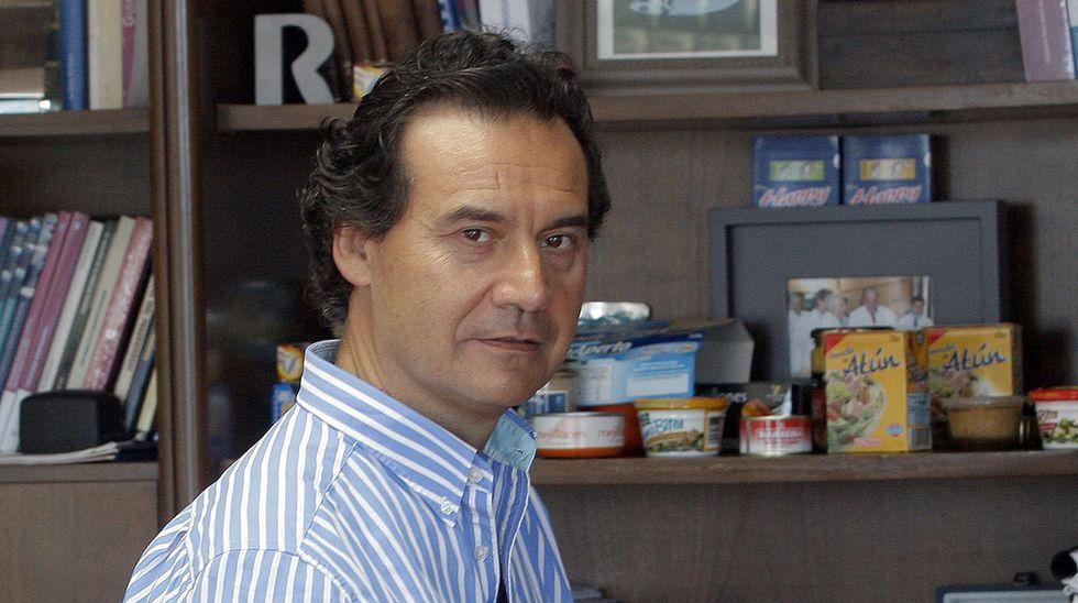 Visita del ministro de Pesca de Brasil a Jealsa, en A Pobra
