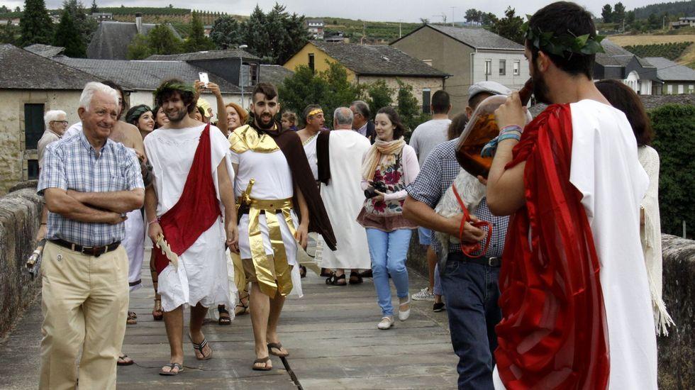 Collage fiestas verano agosto asturias ewan festival orquesta Assia carrozas valdesoto fuegos artificiales.Adrián Beovides