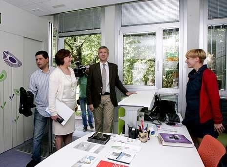 Alfonso Rueda y Susana López visitaron el Centro de recuperación Integral da Muller.