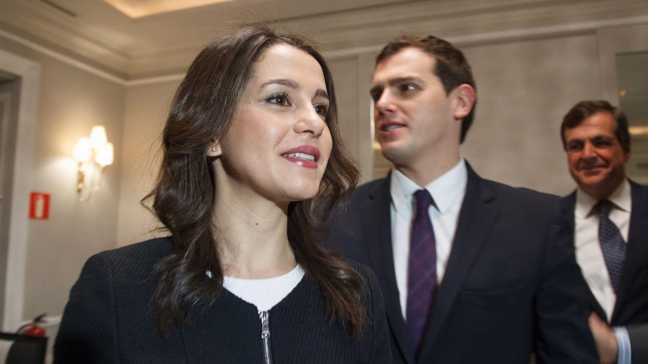 José Luis Martínez-Almeida, Isabel Díaz Ayuso y Begoña Villacís, en la Real Casa de Correos, sede del Gobierno de Madrid