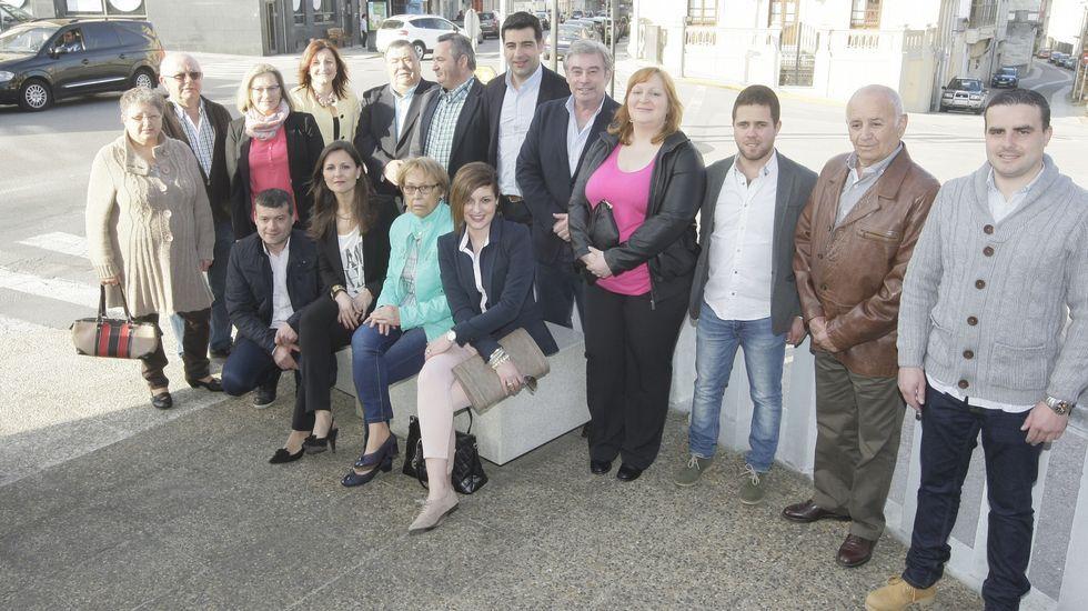 La noche electoral el Lugo.El PP presentó su lista en la zona del Parque do Miño que Castiñeira quiere convertir en playa fluvial.