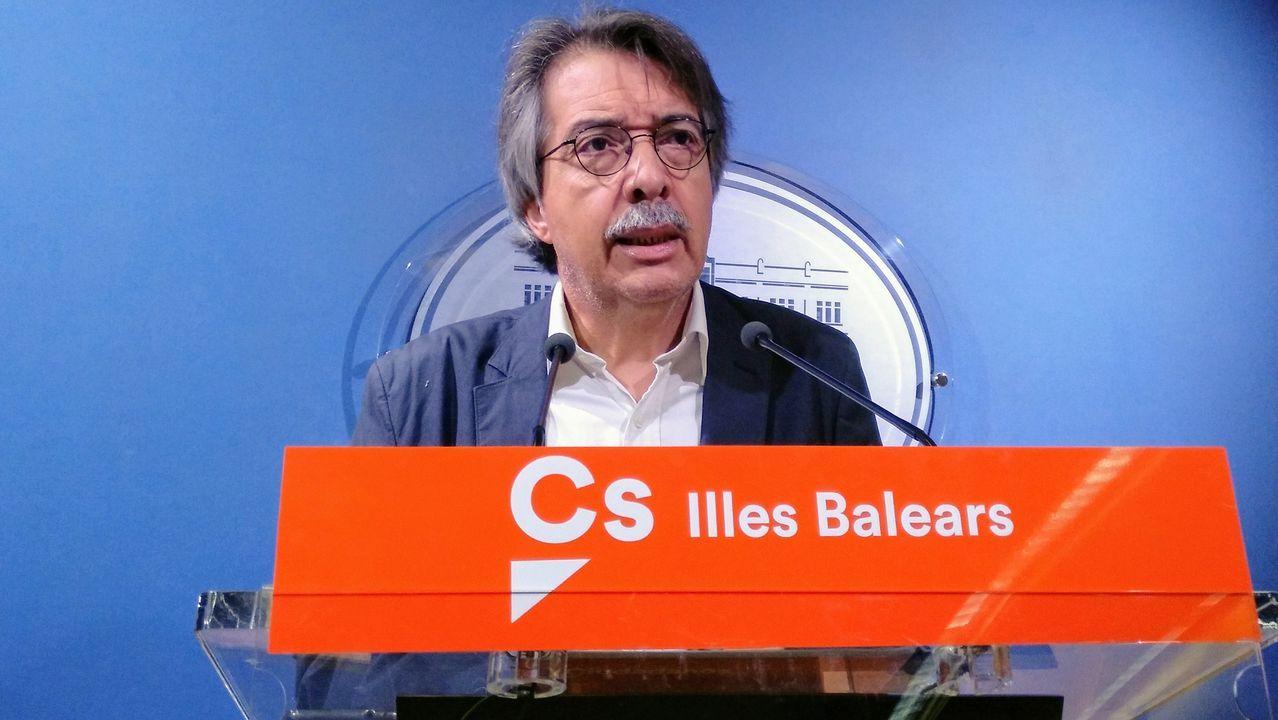 Iglesias comunica a Sánchez que renuncia a estar en el Gobierno.Xavier Pericay anunció este sábado su dimisión «irreversible»