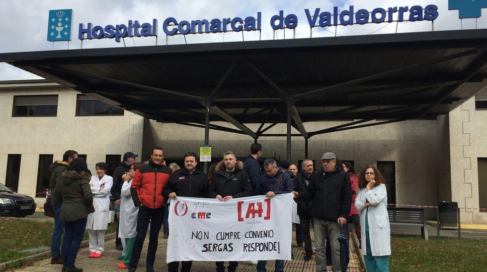 El conselleiro de Sanidade, Jesús Vázquez Almuíña; el alcalde de A Rua, Álvaro Fernández; y el presidente de la Diputación, Jose Manuel Baltar