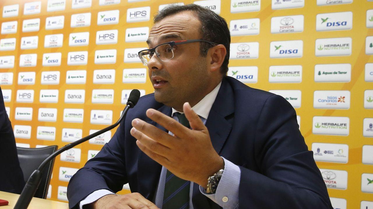 José Lucas Cruz ha sido identificado en Canarias como el cabecilla del fraude. En la imagen, cuando intentó adquirir un club de baloncesto en las islas