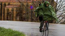 Un ciclista en la carretera al Naranco, en Oviedo