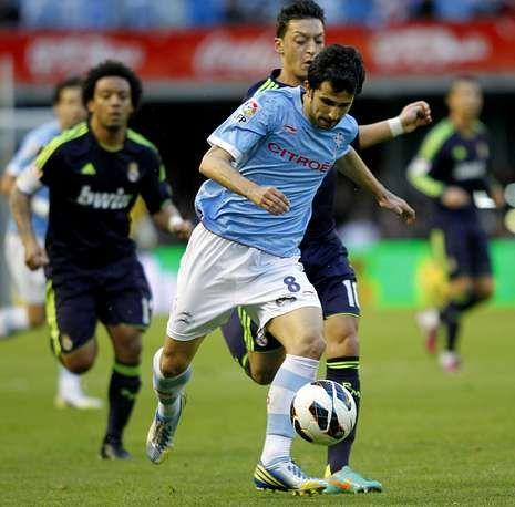 Álex López tuvo que retirarse por molestias cuando subía por la banda en busca en una acción de ataque. El centrocampista puede sufrir una microrrotura en el bíceps femoral de su pierna derecha .