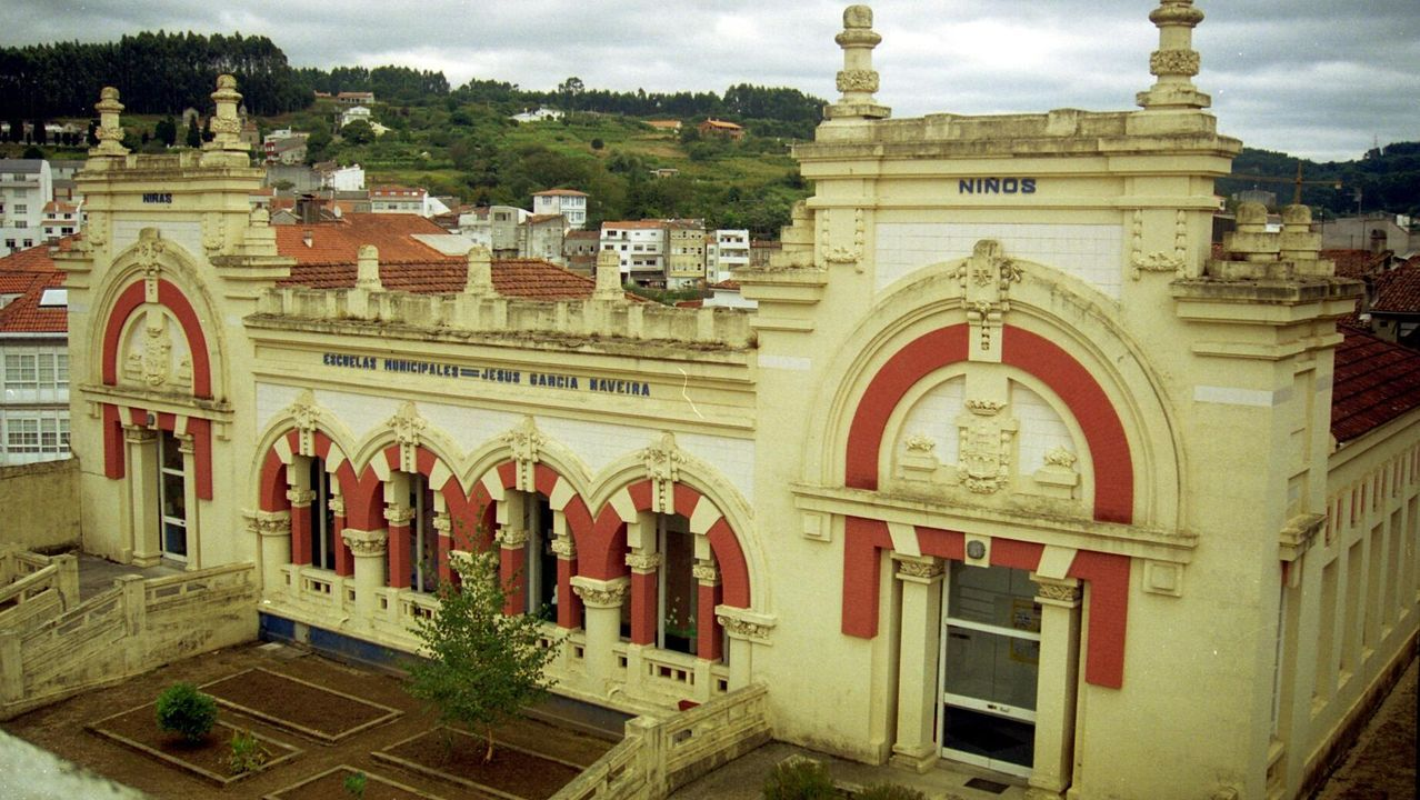 Escolas Jesús García Naveira. En Betanzos también hizo el palco de la música, la Casa del Pueblo o la reforma del Teatro Alfonsetti