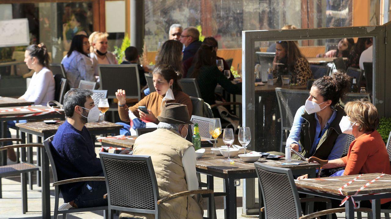 En los municipios en nivel alto la hostelería solo podrá abrir en el exterior y al 50% de aforo