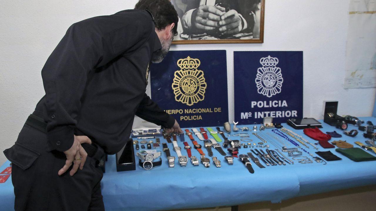La policía de Pontevedra desvela detalles de la investigación.La policía kosovar se desplegó en la localidad de Zubin Potok, donde fueron recibidos con barricadas y resistencia armada