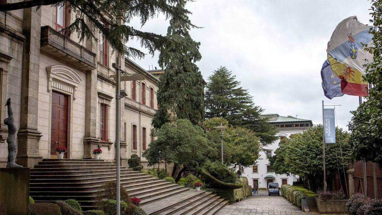 Emotivo homenaje a los cuatro marineros fallecidos en el Sin Querer II.Parlamento de Galicia.