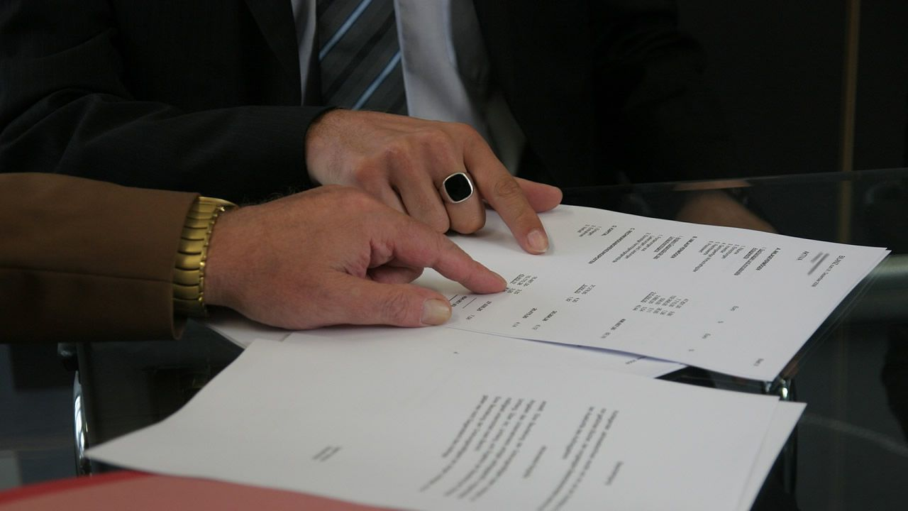 Obras en la variante de Pajares.La ministra en funciones de Hacienda, María Jesús Montero, en la sesión de control al Gobierno