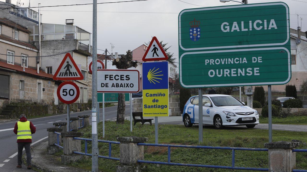 La nueva rutina y controles fronterizos en el paso de Feces de Abaixo, en imágenes.Martín Padrón, alumno del IES Blanco Amor