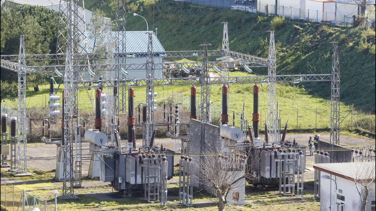 En la imagen, la subestación de Caranza, donde el pasado mes de febrero se produjo una avería que también afectó al astillero