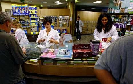 Unos 160.000 usuarios de la tarjeta sanitaria estarán exentos del pago de las medicinas.