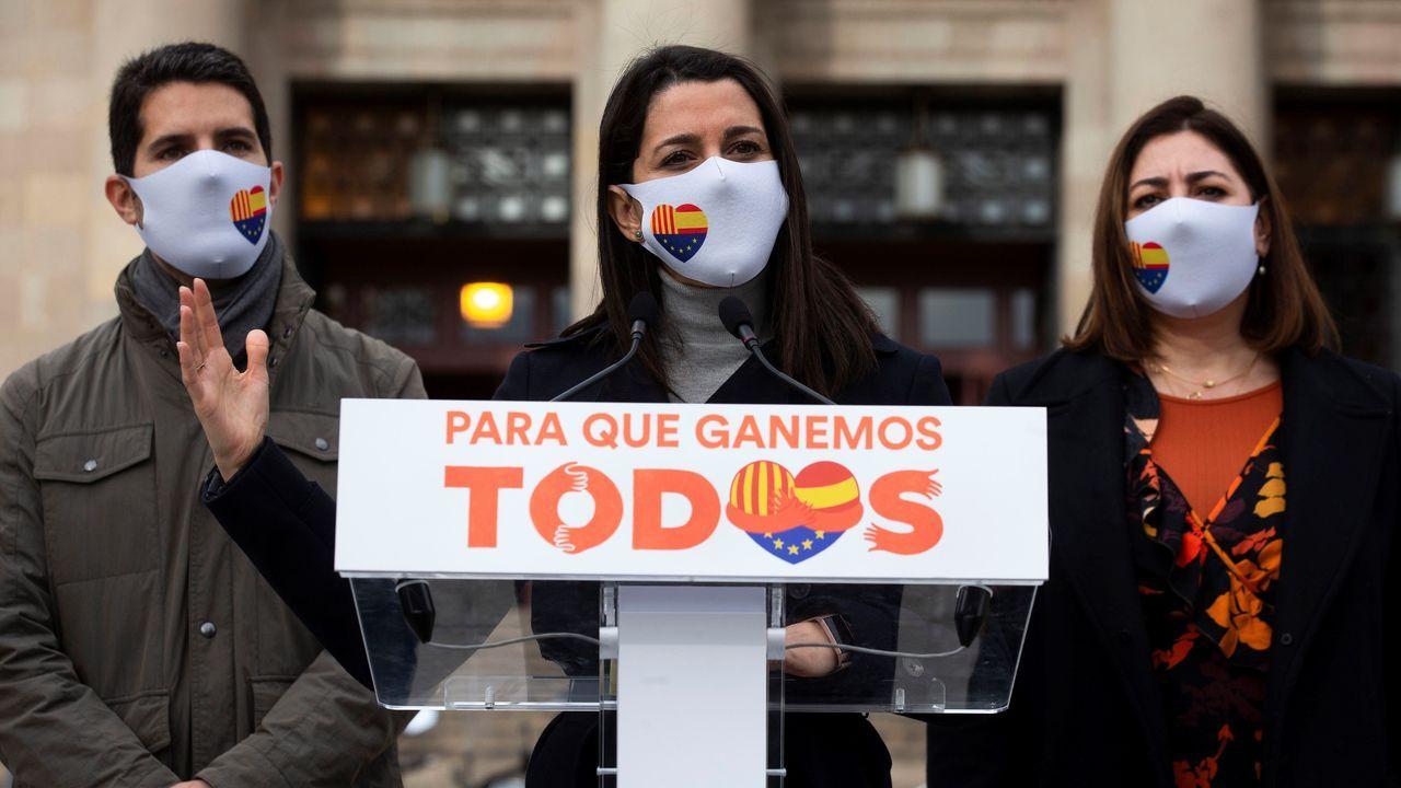 Inés Arrimadas, este sábado, en Barcelona, acompañada por el diputado Nacho Martín Blanco (izquierda) y la concejala de Cs Mari Luz Guilarte