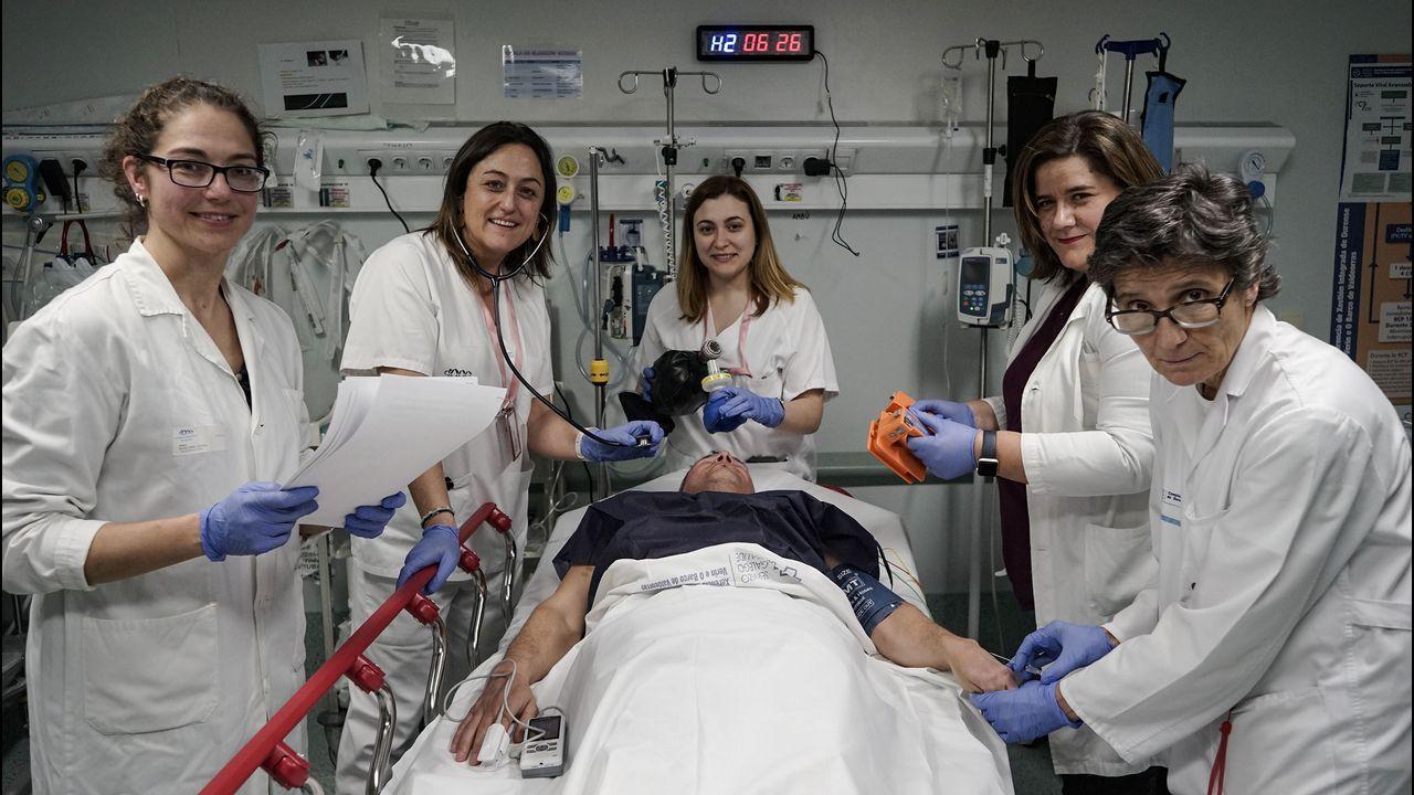 Hospital de Cabueñes, en Gijón.Médicos de Colmeiro en una protesta reciente contra la desconvocatoria de la huelga en atención primaria