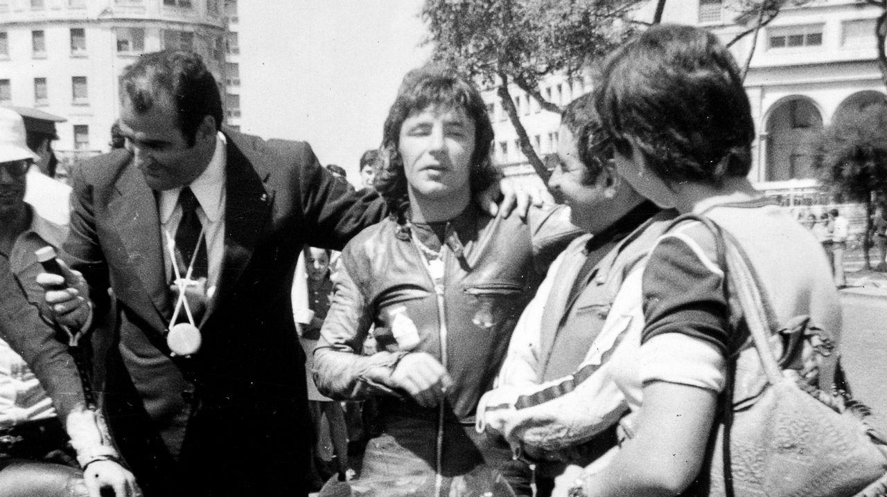 Emotivo funeral para despedir a Ángel Nieto en Ibiza