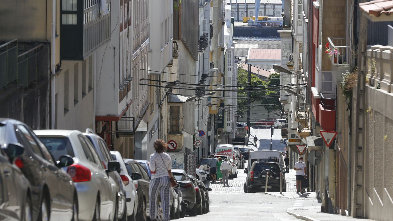 Los vecinos de la calle San Luis denuncian una agresión por parte de los habitantes de una casa okupada de la zona.Edificio ocupado en el centro de Vigo