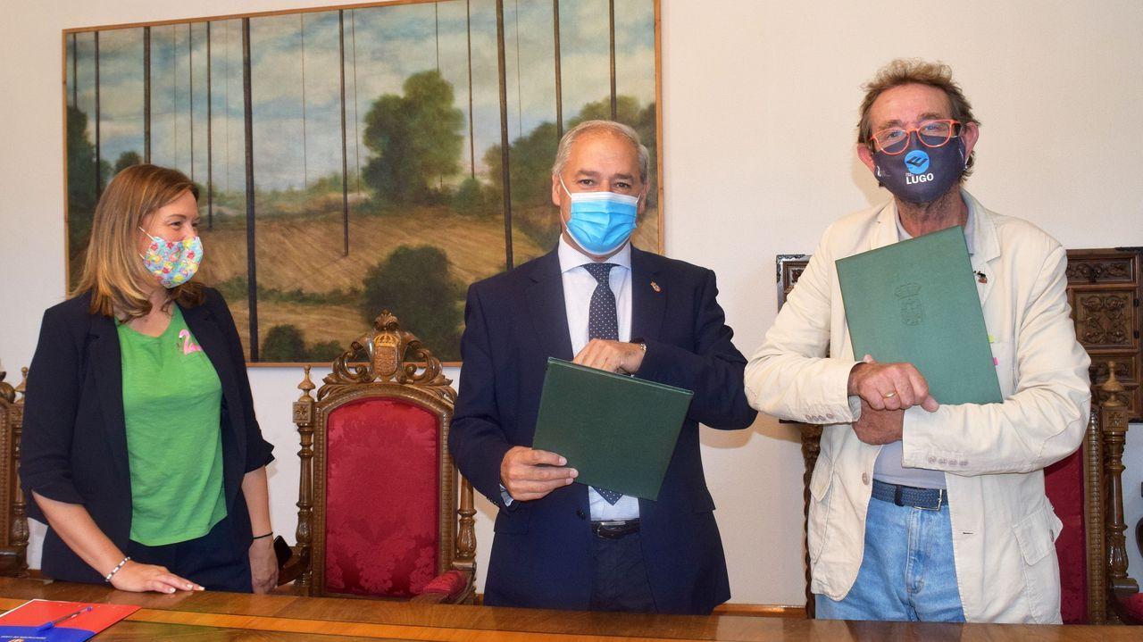 La diputada Pilar García Porto, Tomé y Real, en la firma del convenio
