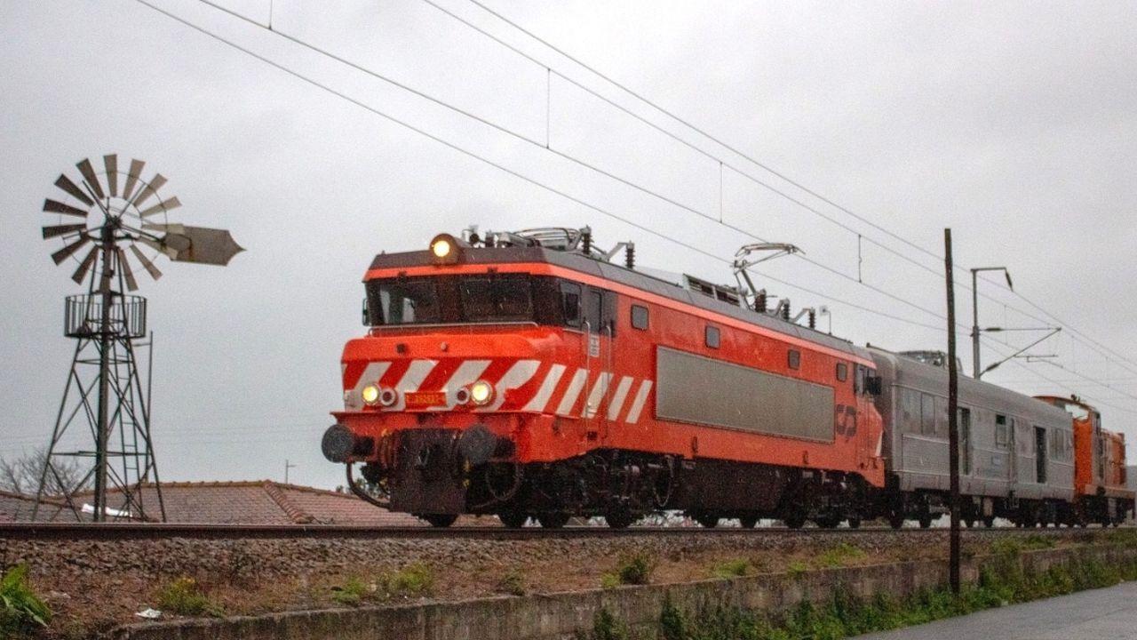 Prueba de carga en el viaducto ferroviario de Ourense, reformado recientemente para adaptarlo a la alta velocidad