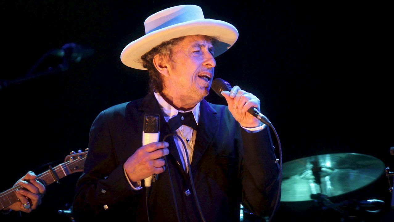 Así fue el paso de Bob Dylan y su banda por Compostela.El Molinón