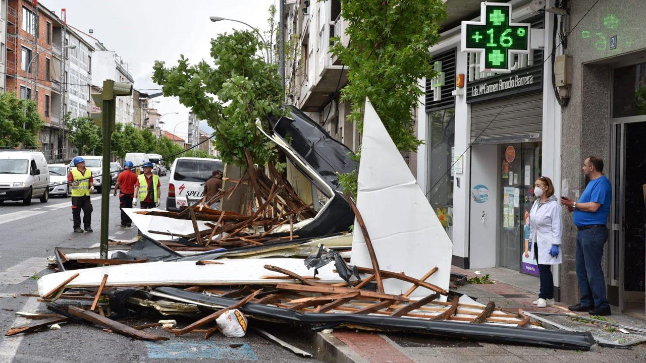 Fuertes vientos, granizo y aguaceros azotaron Galicia a media tarde