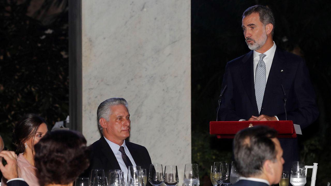 El Rey recibe en Zarzuela a las presidentas del Congreso y del Senado.Los reyes de España, Felipe VI y Letizia, a la salida del Museo de Bellas Artes de La Habana