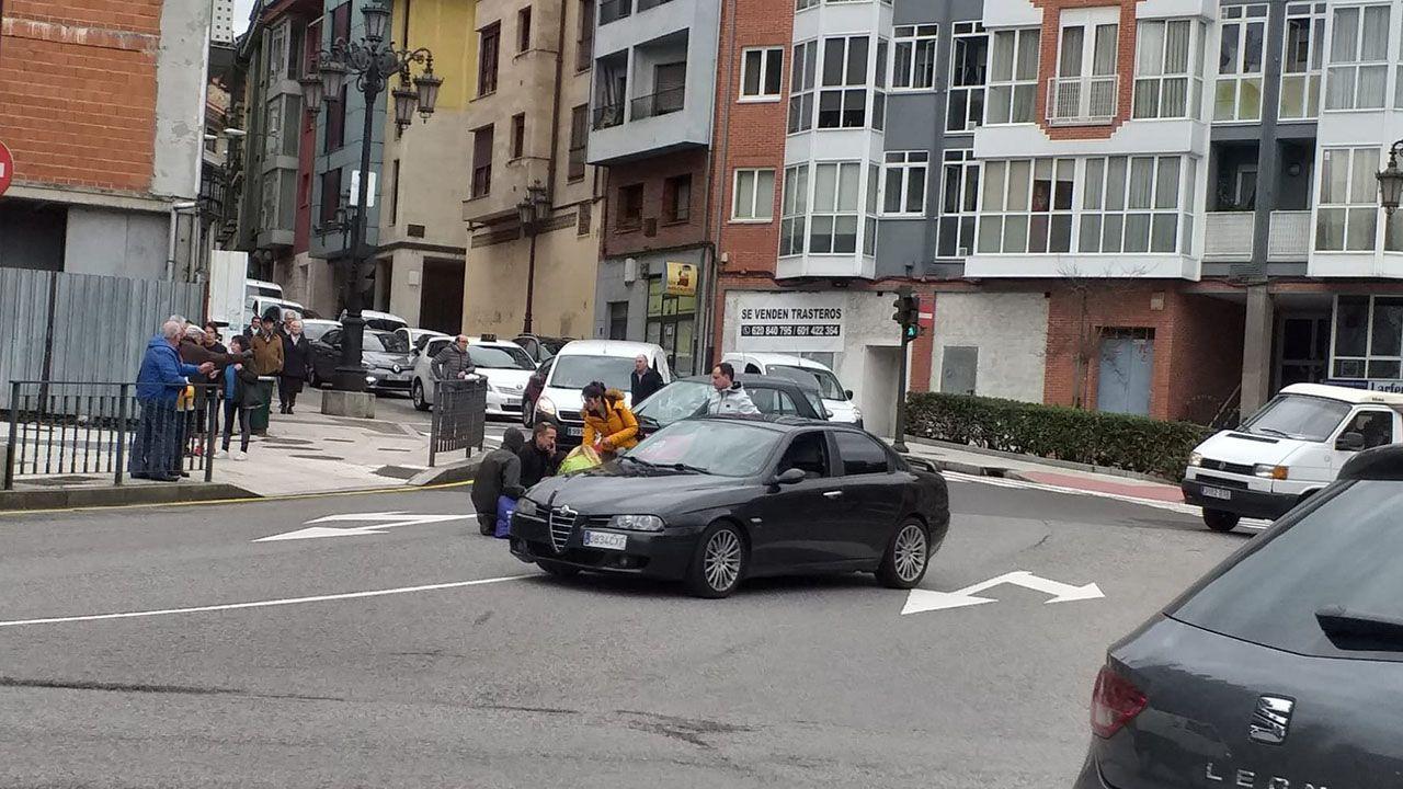 Momentos después del atropello, que tuvo lugar en la calle Azcárraga de Oviedo