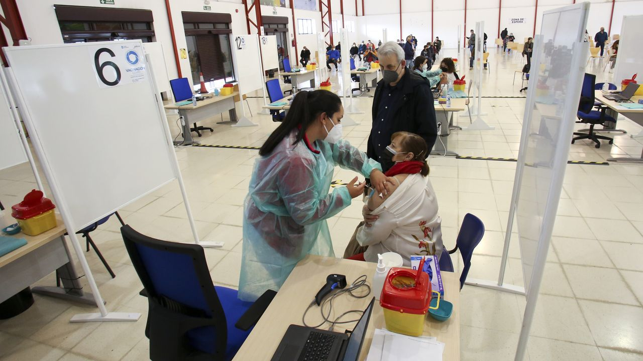 Punto de pruebas covid en el Hospital Novoa Santos