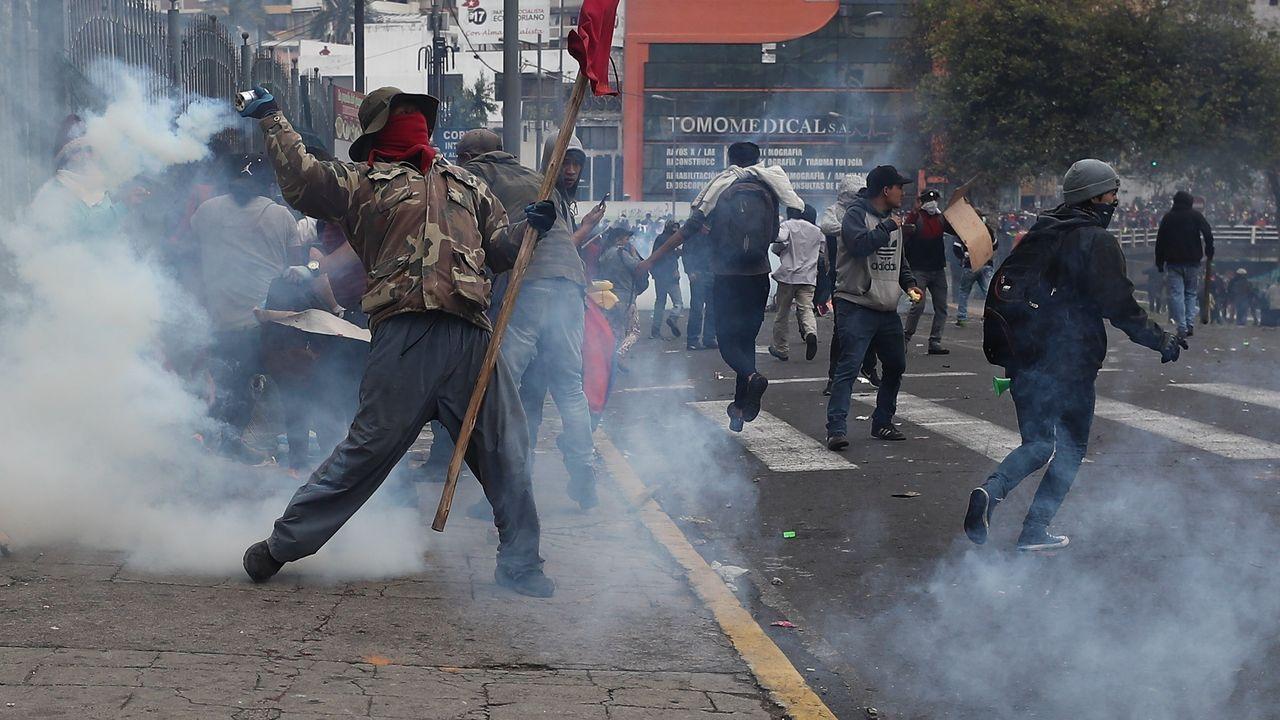 Manifestantes indígenas toman este martes el edificio de la Asamblea Nacional de Quito, en Ecuador