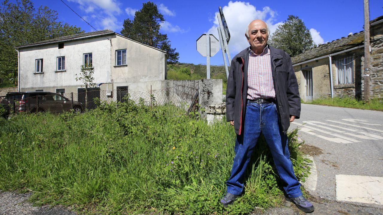 «Por unha porta podo saír a pasear a Galicia e pola outra, a León».Imagen de la moto accidentada