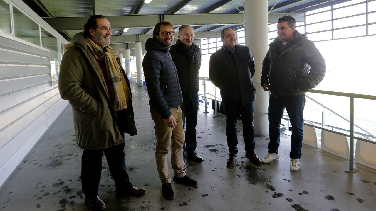 Entrevista a Fernando Vidal, presidente del Deportivo de La Coruña.El fabrilista Kanouté, segundo por la izquierda, debutará como titular con el primer equipo