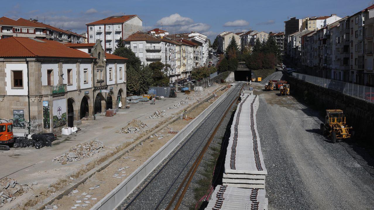 Obras del AVE en pleno casco urbano de Ourense, en la estación intermedia de San Francisco