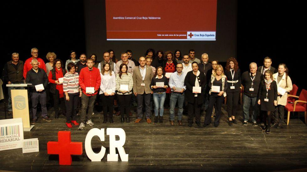 Belén Gómez, en el centro, con los colaboradores que le ayudan en la organización de la Carrera de las Ciudades