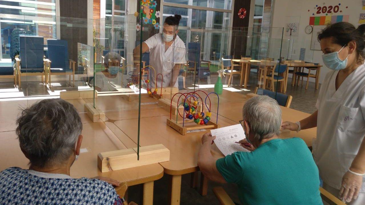 Las terapias para estimular la memoria se reactivan en el centro de día de Afalu en Lugo tras la pandemia
