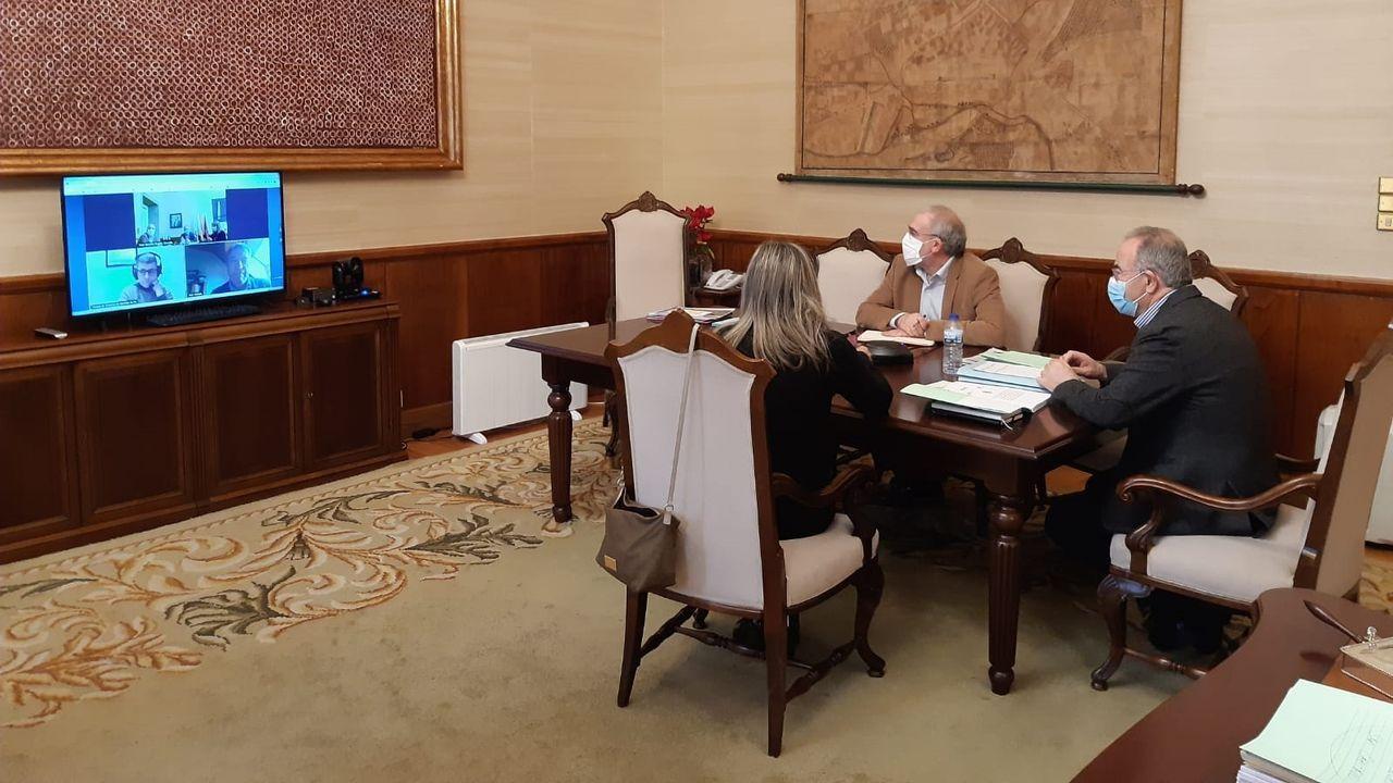 Entrevista a Alfonso Rueda sobre las restricciones y ayudas a la hostelería.El tren Avril en Valladolid