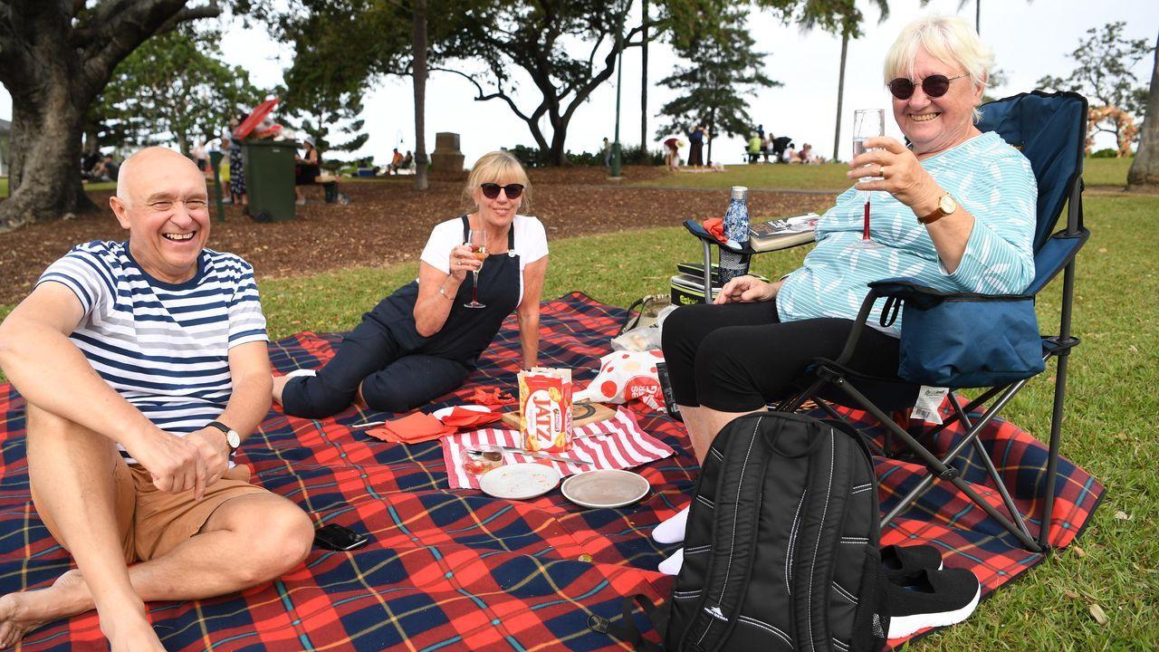 Una turista irlandesa disfruta de una jornada al aire libre en Brisbane, Australia