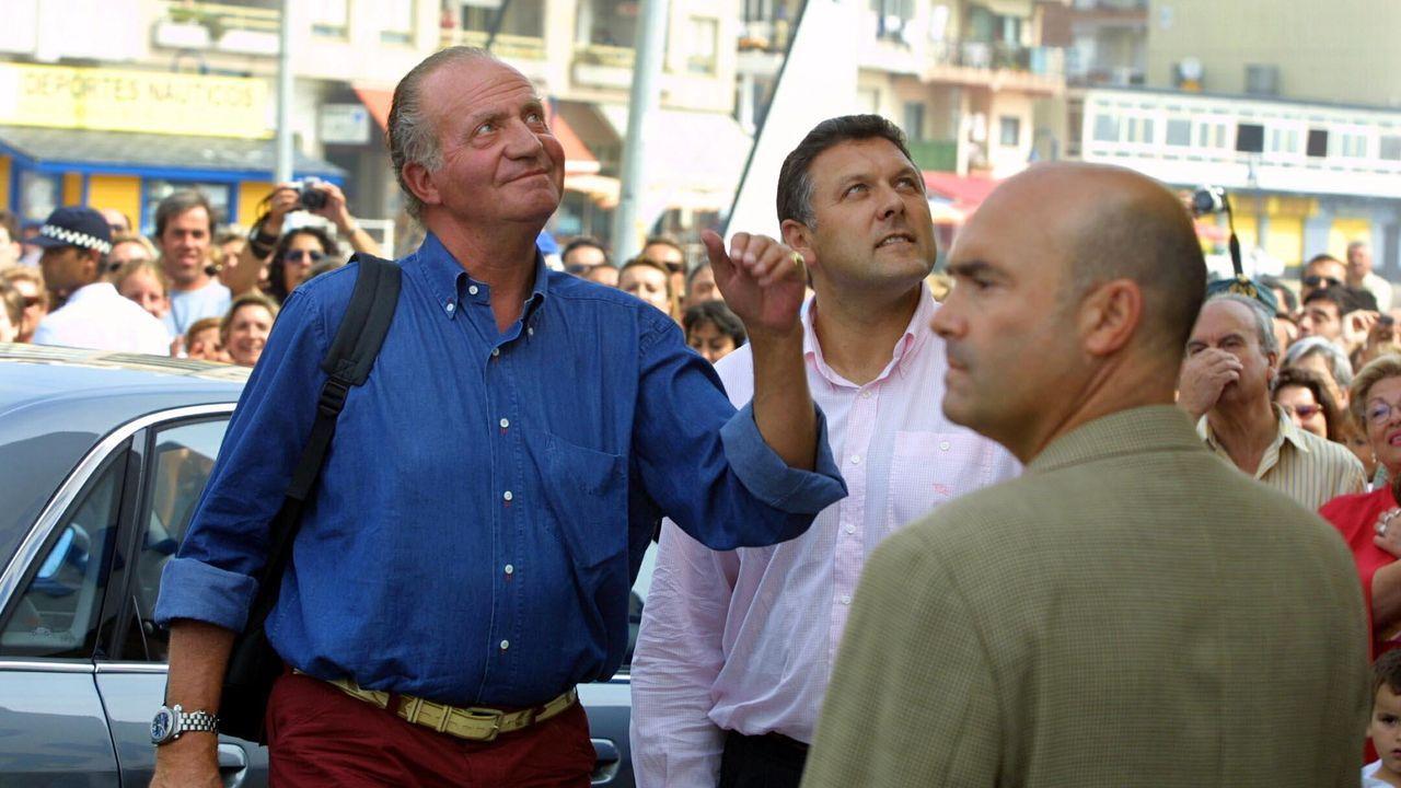 El rey Juan Carlos y el alcalde de Sanxenxo Telmo Martín